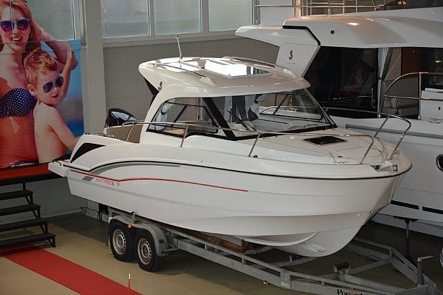 Beneteau Antares 7 OB - Na ogled v na�em salonu - 2018 - for sale call for a price