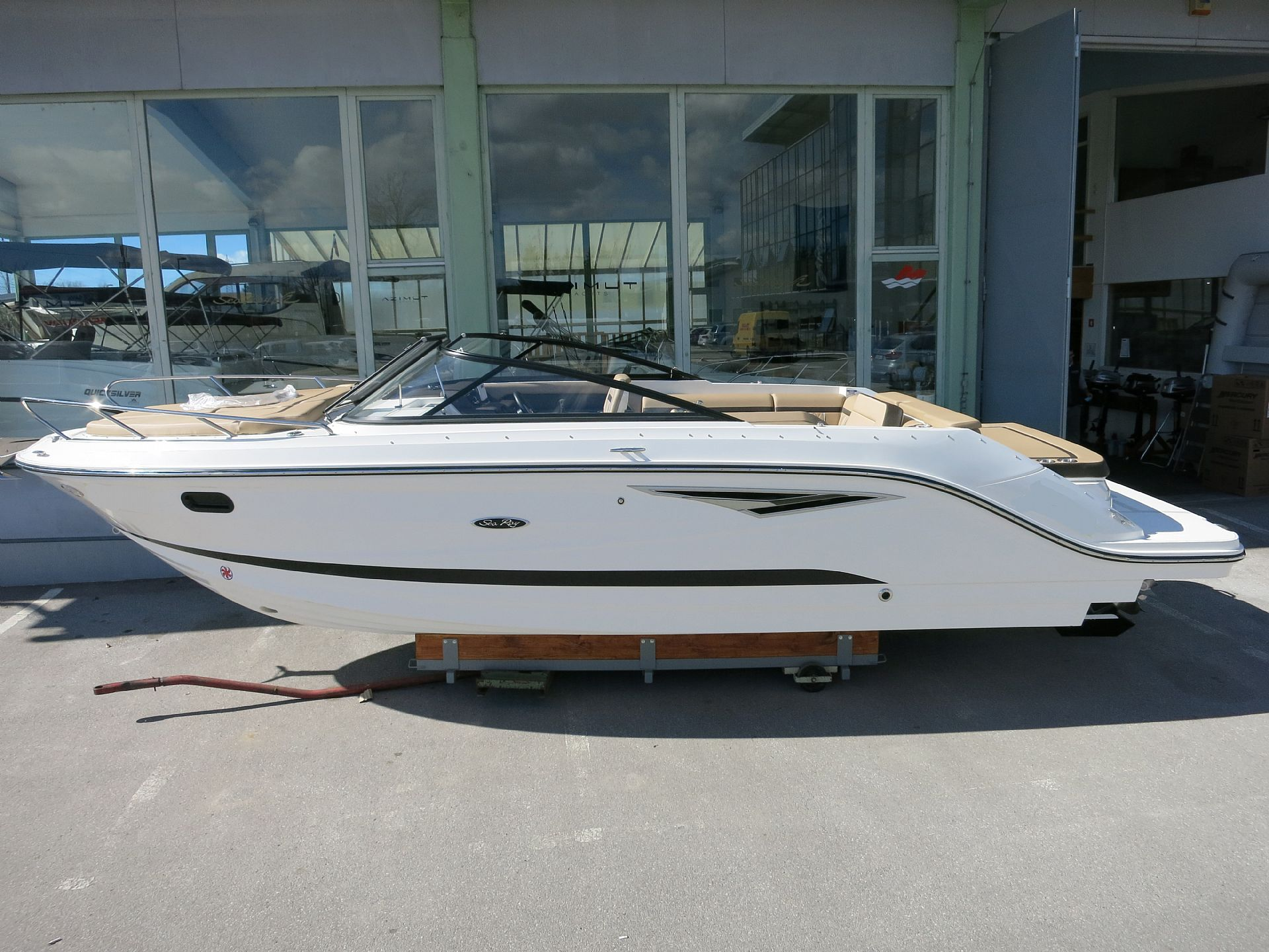 Sea Ray 250 SunSport2019 for sale: 76280.-EUR
