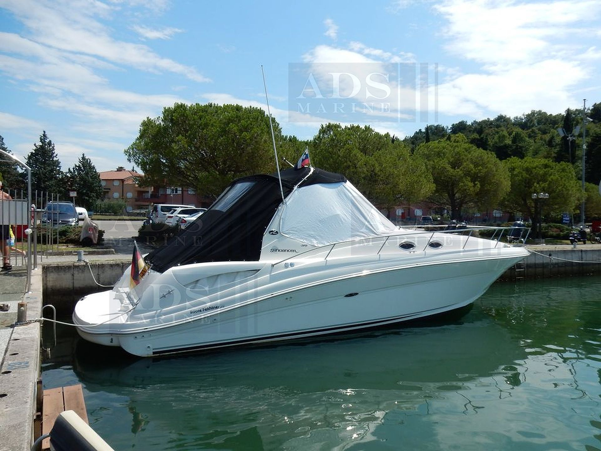 Sea Ray 375 Sundancer2004 for sale: 100450.-EUR